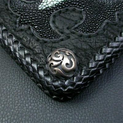 シルバーポイント 革財布 クロスモチーフ 黒 ロング二つ折